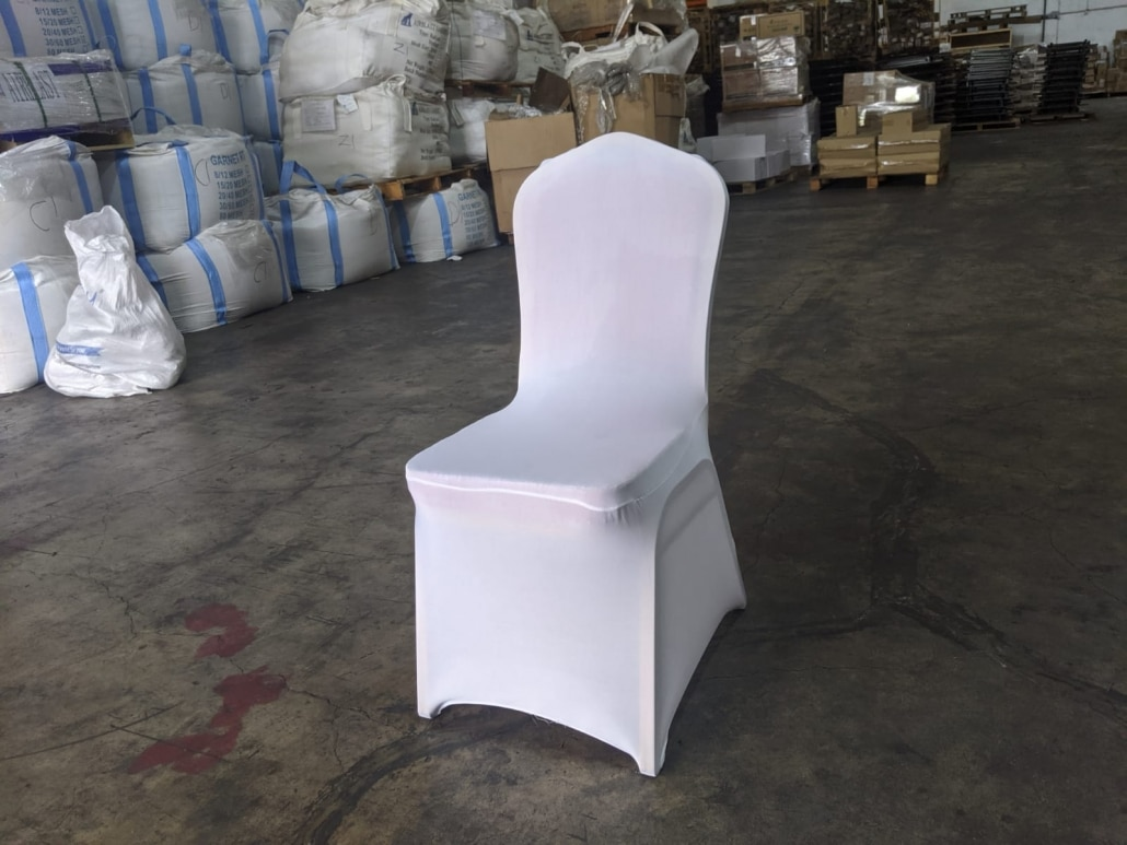 dinner chair with white chair cover