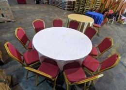 5ft round table with cushion chairs